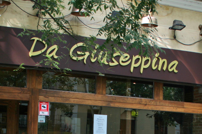 Da Giuseppina en la calle Trafalgar